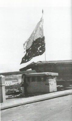 #War torn Polish flag during the final days of the Warsaw Uprising of 1944 [6201037] #history #retro #vintage #dh #HistoryPorn http://ift.tt/2gveu7L
