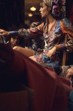 Net Image: Jane Birkin: Photo ID: . Picture of Jane Birkin - Latest Jane Birkin Photo. Charlotte Gainsbourg, Serge Gainsbourg, Gainsbourg Birkin, Style Jane Birkin, Flower Power, Boho Fashion, Vintage Fashion, Fashion Trends, Francoise Hardy
