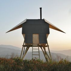 This outdoor sauna on stilts, designed by architect Duilio Forte, stands in the hills of Piacenza, Italy. Made almost entirely from spruce wood, the cozy cabin seats two. [Atelier Forte via ArchDaily] Dezeen Architecture, German Architecture, Architecture Design, Kinetic Architecture, Dynamic Architecture, Mobile Architecture, Architecture Interiors, Amazing Architecture, Scandinavian Saunas