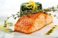 Unareceta.com te enseña a preparar un riquísimo salmón al horno con salsa de mostaza y miel. ¡Una combinación de sabores que no puedes perderte!