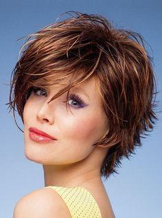 modele de coiffure courte pour femme 50 ans coiffures coupes pinterest coiffures. Black Bedroom Furniture Sets. Home Design Ideas