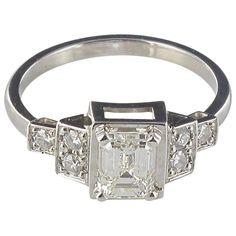 Splendid Emerald Cut And Brilliant Cut Diamond Gold Ring 1