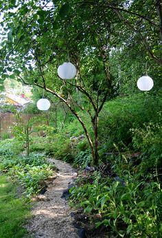 Lamps in the garden! Lindas trädgårdsblogg