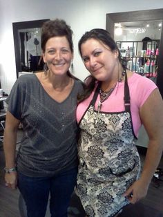 Stacy's client Debbie right before her photo shoot yesterday! Fun!