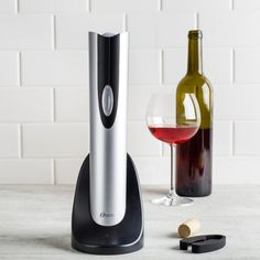 Open a bottle in seconds, and with no effort! This stylish, cordless wine bottle opener fits all traditional wine bottles. Its ergonomically designed with a soft grip handle too. Wine Bottle Opener, Wine Bottles, New Years Party, Red Wine, Alcoholic Drinks, Good Things, Entertaining, Traditional, Effort