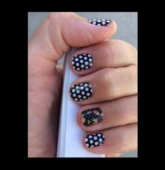 Do the Jamberry polka with 'Black And White Polka' with 'Cup Of Tea' accent nail.