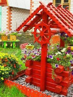 Small House Furniture, Wood Patio Furniture, Diy Garden Fence, Diy Garden Decor, Wishing Well Garden, Home Vegetable Garden, Beautiful Flower Arrangements, Wooden Planters, Garden Landscape Design