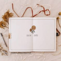 Add the floral theme to your journal with this minimalist sunflower bullet journal set-up. Be inspired with spread ideas that are perfect for beginners! Brain Dump Bullet Journal, Bullet Journal Flip Through, Bullet Journal Monthly Spread, Bullet Journal Set Up, Bullet Journal Cover Page, Bullet Journal Tracker, Bullet Journal Printables, Bullet Journal Writing, Bullet Journal Layout