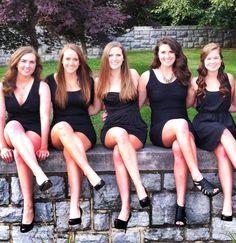 Sisters of the Little Black Dress? Sorority Poses, Sorority Dresses, Sorority Recruitment Outfits, Sorority Girls, Sorority Rush, Fotografia Tutorial, Girls Together, Sigma Kappa, Prom Pictures