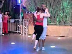 Dança semba que aleija Angola. So fun to watch. TONY PIRATA & CHERAZAD, Africadançar 2011: Music: Rei Helder ft yuri da cunha essa