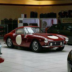 Does it get any more beautiful? #Ferrari #Art #Beauty #Style #Class #Cars #CarShowSafari