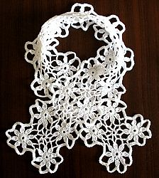 Wow this is beautiful! A delicate flower scarf: crochet pattern
