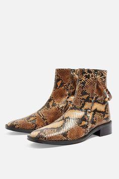 9019be0cc03c4 Topshop Aubrey Snake Flat Leather Boots Botas