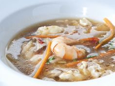 Hot and Sour Seafood Soup by Chef Junjun de Ocampo Seafood Soup, Thai Red Curry, Real Food Recipes, Hot, Ethnic Recipes, Soups, June, School, Seafood Bisque