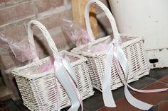 Flower Girl Baskets/ Mandjes voor rozenblaadjes
