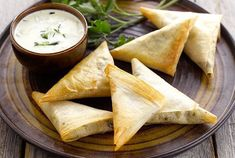 Mini Shrimp Samosa or Mini Cocktail Samosa Empanadas, Samosas, No Salt Recipes, Light Recipes, Cooking Recipes, Indian Food Recipes, Asian Recipes, Healthy Recipes, Ethnic Recipes
