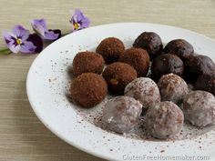 Gluten- free Chocolate Nut Butter Date Balls Real Food Recipes, Dessert Recipes, Free Recipes, Paleo Dessert, Date Balls, Valentines Day Desserts, Gluten Free Treats, Game Day Food, Nut Butter