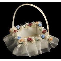 Cesta de novia Coraçao                                                                                                                                                                                 Más Big Wedding Cakes, Diy Wedding, Wedding Favors, Wedding Gifts, Diy Diwali Decorations, Wedding Decorations, Chocolate Flowers Bouquet, Wedding Gift Baskets, Trousseau Packing