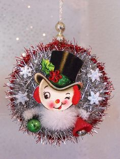 Retro Snowman Vintage Style Christmas Ornament OOAK by TreePets Vintage Christmas Crafts, Victorian Christmas, Retro Christmas, Diy Christmas Ornaments, Vintage Holiday, Christmas Projects, Christmas Art, Holiday Crafts, Christmas Holidays
