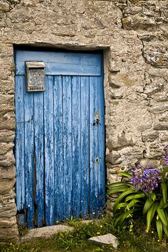 The blue door,   ..rh