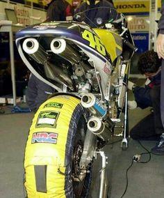 Valentino Rossi Honda NSR 500cc 2stroke. 2001