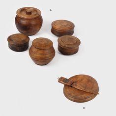 Lot format din 5 racle din lemn, pentru păstrat lactate și fund de mămăligă cu cuțit, Bucovina, perioada interbelică - Licitația de Valori Tradiționale #156/2015 - Arhivă rezultate