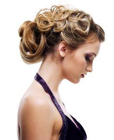 capelli-ricci-corti-da-donna.jpg (450×550)