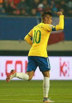 Picture: Neymar celebrating goal for BRA against PER #fcblive [via @barzaboy]