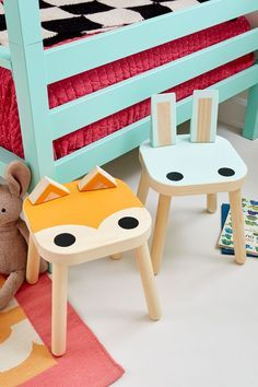 Love this IKEA hack! The Ikea Flisat stool has been given a dose of serious cuteness with some paint and some old wooden blocks. The result is these animal stools which are so playful and fun. Ikea Hack Kids, Hacks Ikea, Diy Hacks, Projects For Kids, Diy For Kids, Banco Ikea, Kids Decor, Diy Home Decor, Decor Ideas