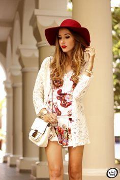 http://fashioncoolture.com.br/2014/02/19/look-du-jour-white-floral/