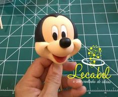 Bolo Do Mickey Mouse, Mickey Mouse Cake Topper, Mickey Mouse Gifts, Mickey And Minnie Cake, Bolo Minnie, Mickey Cakes, Mickey Mouse And Friends, Fondant Figures Tutorial, Cake Topper Tutorial