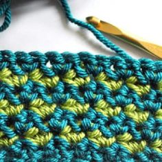 Learn how to do the single crochet cluster stitch with this free tutorial! Learn how to use the Single crochet cluster to make beautiful crochet blankets!