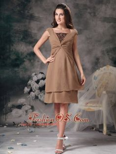 Customize Champagne Empire Square Mother Of The Bride Dress Chiffon Beading Knee-length- $107.29http://www.fashionos.com  http://www.facebook.com/quinceaneradress.fashionos.us  This dress is for a night of merriment. With a ruched midriff and a blown sequins on the bust, the bodice seamlessly flowing into a gathered waist which flatters all figures.