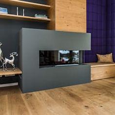 Wohnzimmer mit Kamin: moderne Wohnzimmer von Büro Köthe
