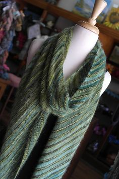 Lucky shawl in Luckenbach by Stephanie Cunningham ¬ malabrigo Sock in Ivy and…
