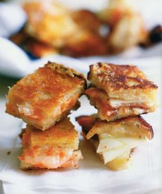 Cheddar, Bacon and Apple Grilled Cheese Sandwich Recipe