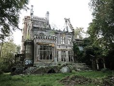 Chateau Charles-Albert - Abandoned and burned castle in Belgium