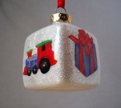Wouldn't you love to have this hanging on your tree this year?  Handmade Glass Glitter Christmas Ornament everything is inside, no more glitter on the floor!!