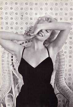 Marilyn Monroe by Cecil Beaton , Feb 1956 Hollywood Glamour, Hollywood Stars, Old Hollywood, Classic Hollywood, Marilyn Monroe, Most Beautiful Women, Beautiful People, Beautiful Things, Museum Ludwig
