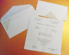 Una bella partecipazione in carta d'Amalfi con inserto in tombolo e stampa a caratteri mobili