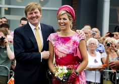 King Willem-Alexander and Queen Maxima on their Royal tour throug the country. Today 19-06 Flevoland and Overijssel.