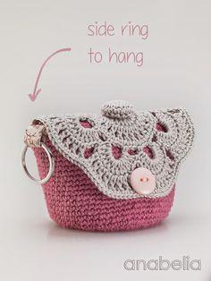 Anabelia craft design: DIY: crochet pouches MakeUp http://anabeliahandmade.blogspot.com.es/2014/07/diy-makeup-crochet-pouches.html
