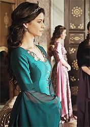 Every Kösem Sultan Outfit: Turkish Pop, Kosem Sultan, Turkish Fashion, Medieval Dress, Fantasy Dress, Party Wear Dresses, Ottoman Empire, Traditional Dresses, Celebrity Style