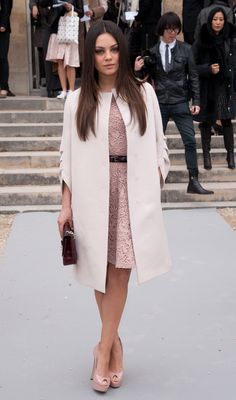 Mila-Kunis-Feet-627845.jpg 1,768×3,000 pixels