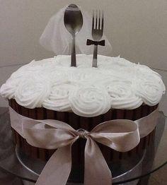 Simples é bem significativos❤️❤️❤️ #brides #casamento #casamentochic #decoracaodecasamento #diy #festadecasamento #igdecasamento #inspiracaodecasamento #instacasamento #instawedding #love #noivas #querocasar #queroessadecor #wedding #weddingdecor #weddinginspirations  #bolo #instabolo #bolodecorado #bololindo #boloperfeito #cake #instacake #cakedesigner # #original #pastry #chefpatissier #patisserie