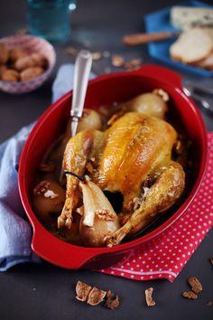 Poulet rôti au roquefort, noix et poires