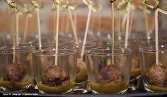 bolinho de picanha com mostarda escura. #fingerfood #captainsbuffet #wedding #buffet #buzios