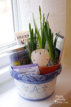 Adorable...the basket liner is made from a pretty fabric on a pair of Goodwill pants! Lovely little gift.