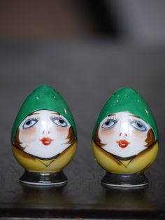 Wide Eyed Woman-Flapper-ART DECO Petalware Salt & Pepper 1920s