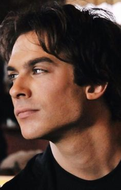 Damon Salvatore(I'm pretty sure that's him) from The Vampire Diaries he looks amazing in black! Vampire Diaries Damon, Serie The Vampire Diaries, Ian Somerhalder Vampire Diaries, Vampire Daries, Vampire Diaries Wallpaper, Vampire Diaries Funny, Vampire Diaries The Originals, Ian Somerholder, Damon And Stefan